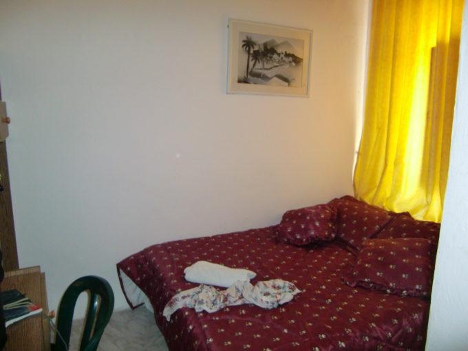 ヤッフォ門近くのホテルの寝室