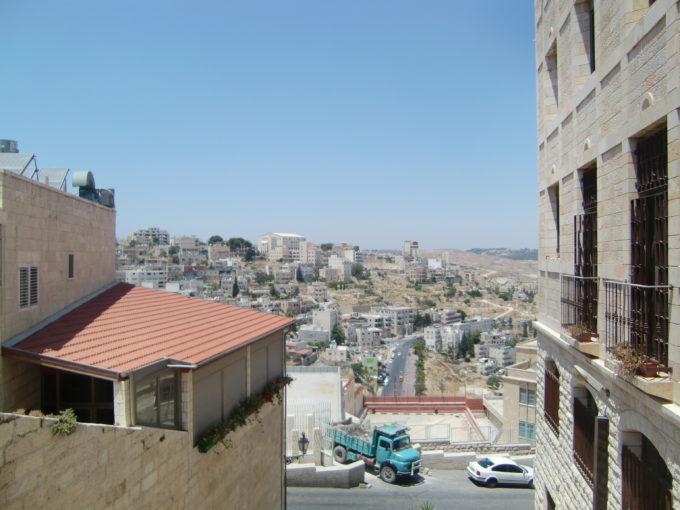 教会の高台から見下ろしたパレスチナの街並み