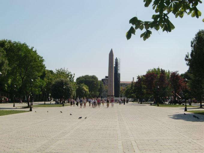 スルタンアフメット公園から見たアヤソフィア
