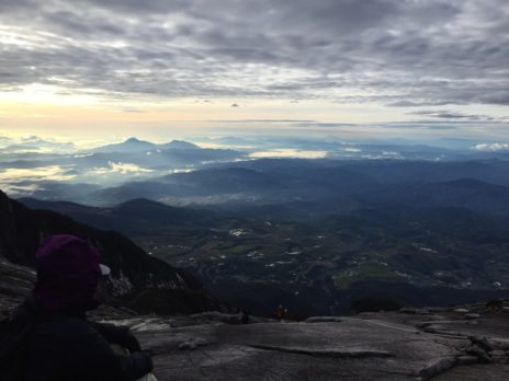 キナバル山から見た朝の風景