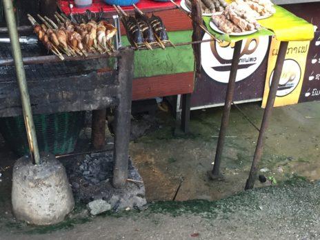 ルアンパバーン、クアンシー滝の食堂