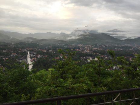 ルアンパバーン、プーシーの丘から見た街