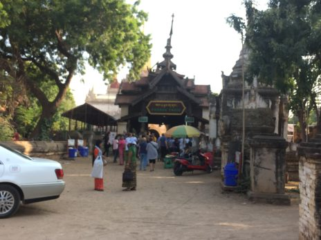 アーナンダ寺院の入口外観