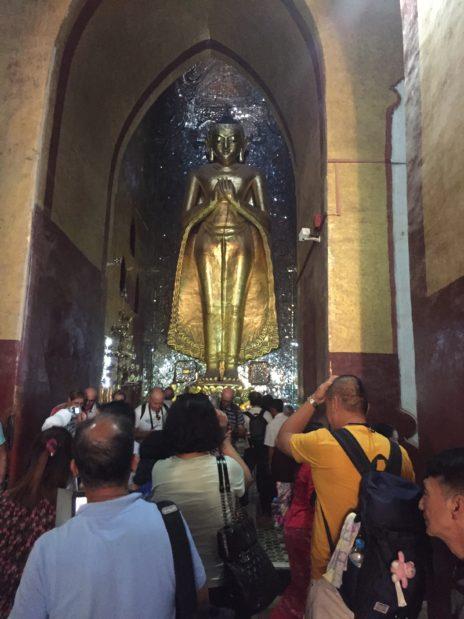 アーナンダ人寺院の中の様子