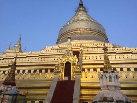 シュエズィーゴォン・パヤーの仏塔