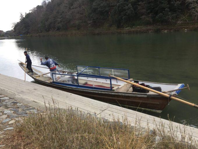 保津川下り冬仕様の舟カバー取った後