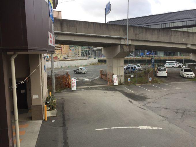乗船場の駐車場②